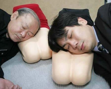 подушка-коленки подружки
