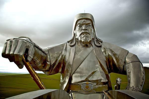 памятник чингисхану