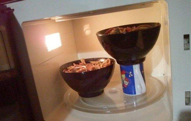 как разогреть две тарелки сразу в микроволновке