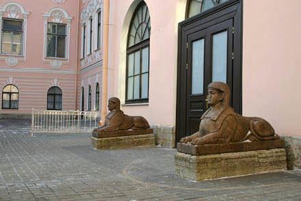 двор строгановского дворца