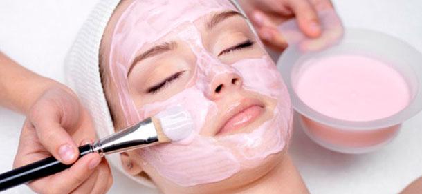 маска из розовой глины