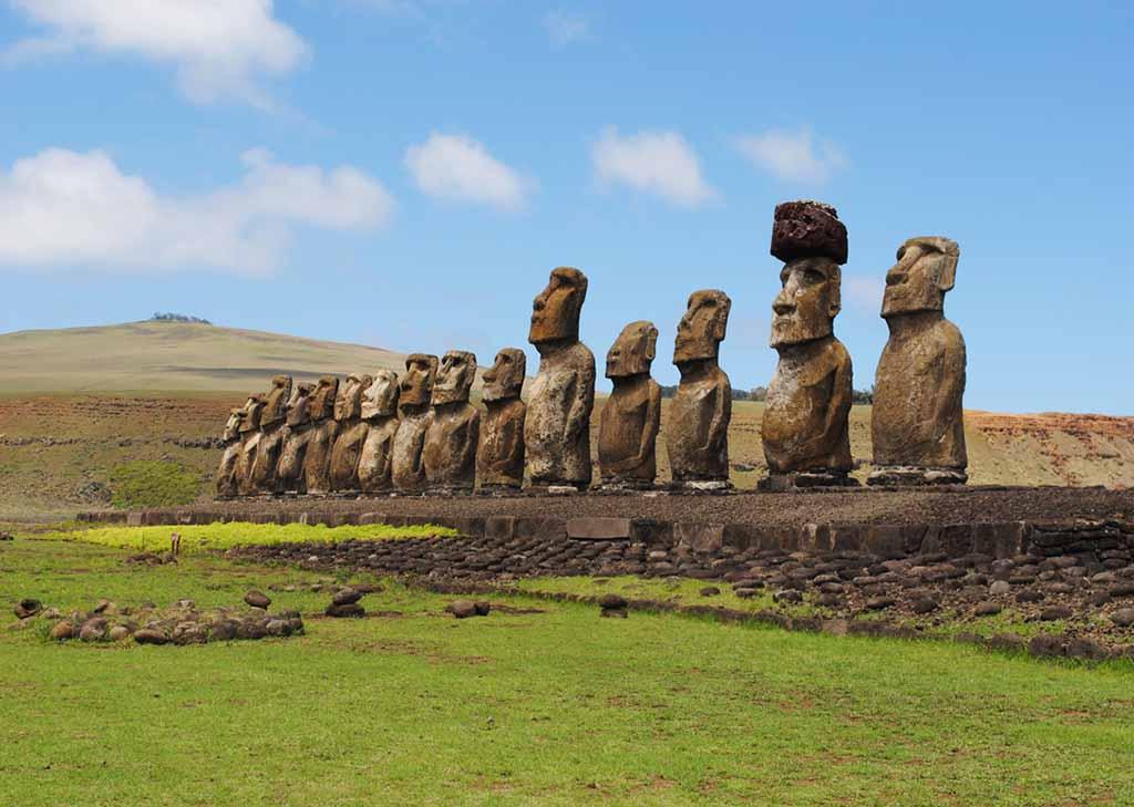 самые известные моаи